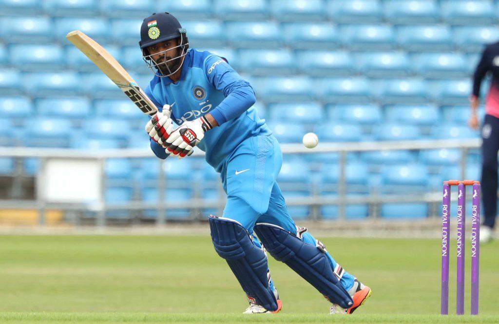 देवधर ट्रॉफी: इंडिया बी ने इंडिया ए को 43 रनों से हराया, दिनेश कार्तिक रहे बदकिस्मत तो चमके मनोज तिवारी 1