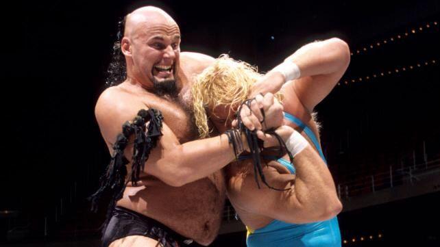इन WWE रेसलरों के अजीबोगरीब हेयरस्टाइल देख आपकी नहीं रुकेगी हंसी 4
