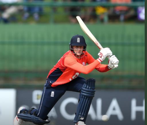 डकवर्थ लुईस नियम के अनुसार, इंग्लैंड की श्रीलंका पर 18 रनों की जीत 1