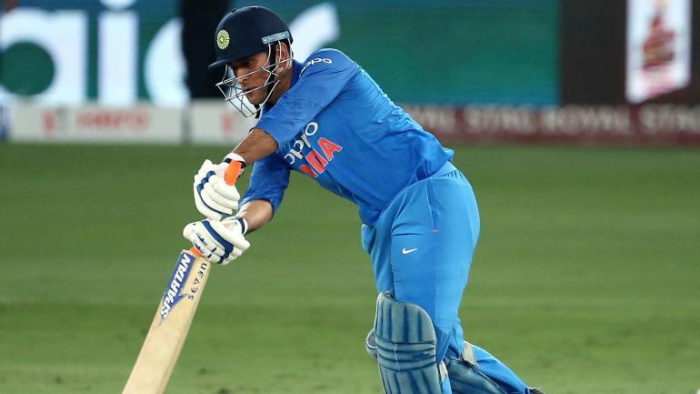 INDvsWI- 1 रन बनाते ही महेन्द्र सिंह धोनी के नाम दर्ज हो जाएगा एक और ऐतिहासिक रिकॉर्ड