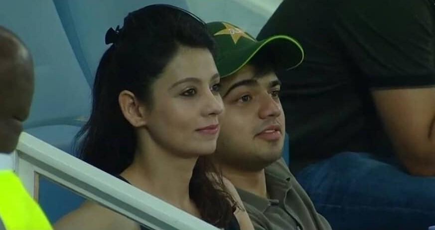 एशिया कप में नजर आयी पाकिस्तानी मिस्ट्री गर्ल निकली शादी-शुदा, जानकर टूटे लाखों दिल 1