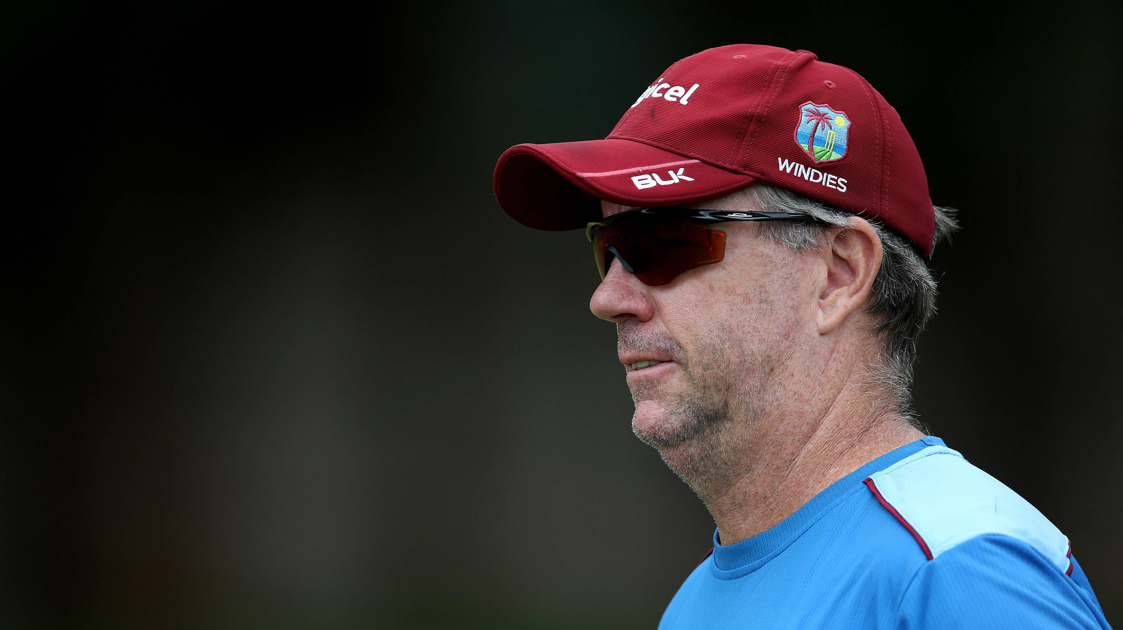 वेस्टइंडीज को लगा बड़ा झटका, आईसीसी ने कोच स्टुअर्ट लॉ को किया निलंबित, भारत से हार नहीं बल्कि ये हैं वजह 4