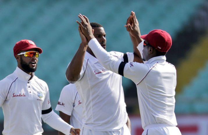 INDvsWI: वेस्टइंडीज क्रिकेट बोर्ड ने बताया क्यों खिलाड़ियों ने पहने हुए हैं हाथ में काले पट्टे