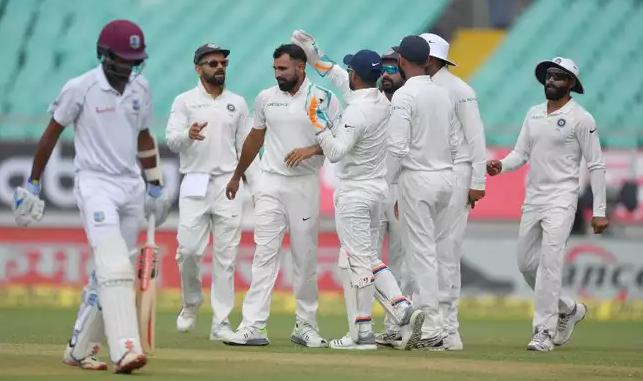 STATS: INDvsWI: दूसरे दिन भारत ने तोड़ा 39 साल पुराना रिकॉर्ड, तो ऐसा करने वाले पहले खिलाड़ी बने विराट कोहली 2