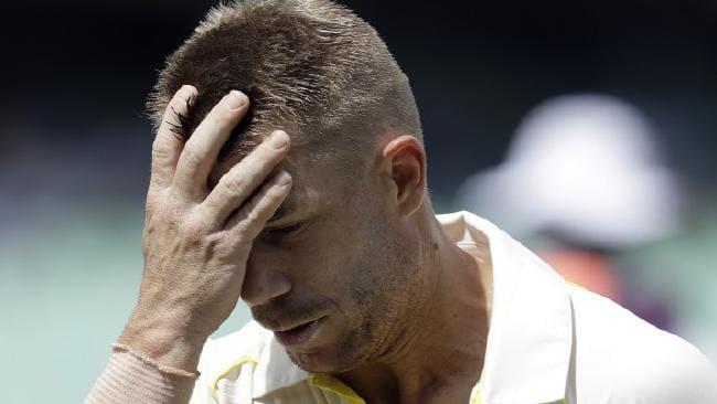 डेविड वार्नर को विपक्षी टीम के खिलाड़ी ने कहा 'कलंक',बल्लेबाजी बीच में छोड़ पवेलियन लौटे 29