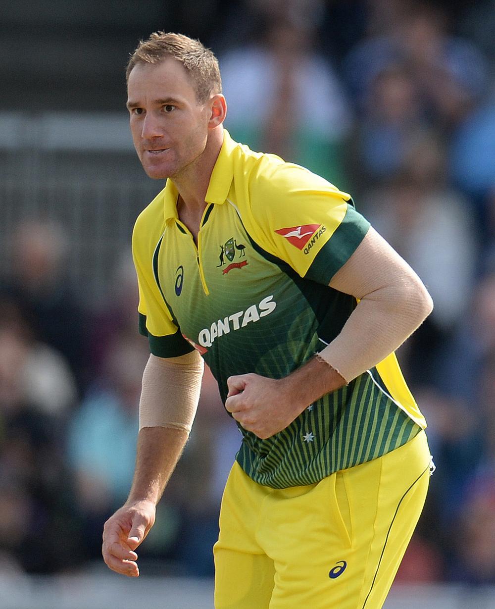 सभी को हैरान करते हुए ऑस्ट्रेलिया के इस दिग्गज तेज गेंदबाज ने तीनों फॉर्मेट से लिया संन्यास 1