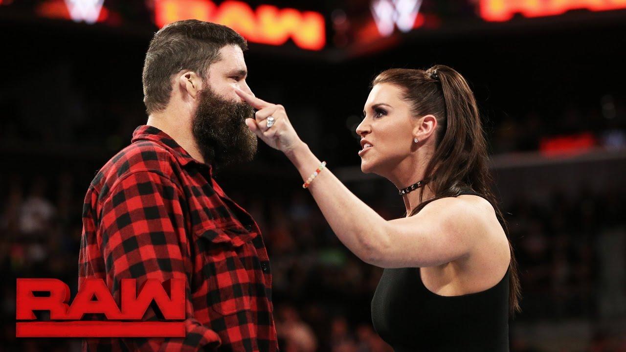 मिक फ़ोले ने बताया, किस कारण छोड़ना पड़ा था उन्हें WWE रॉ जनरल मैनेजर का पद 7