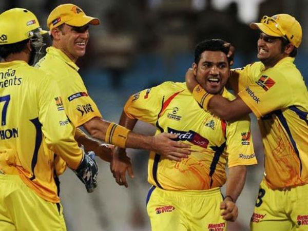इंडियन प्रीमियर लीग 2009: पारी में सबसे ज्यादा 4 विकेट 3