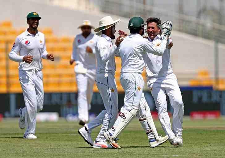अबु धाबी टेस्ट : 227 पर सिमटी पाकिस्तान