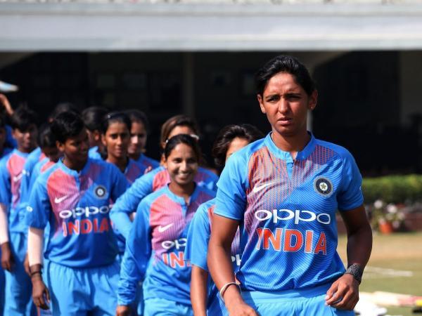 महिला विश्व टी-20- भारतीय महिला टीम की कप्तान हरमन ने हार के बाद कहा कुछ ऐसा जीत लिया करोड़ो भारतीयों का दिल