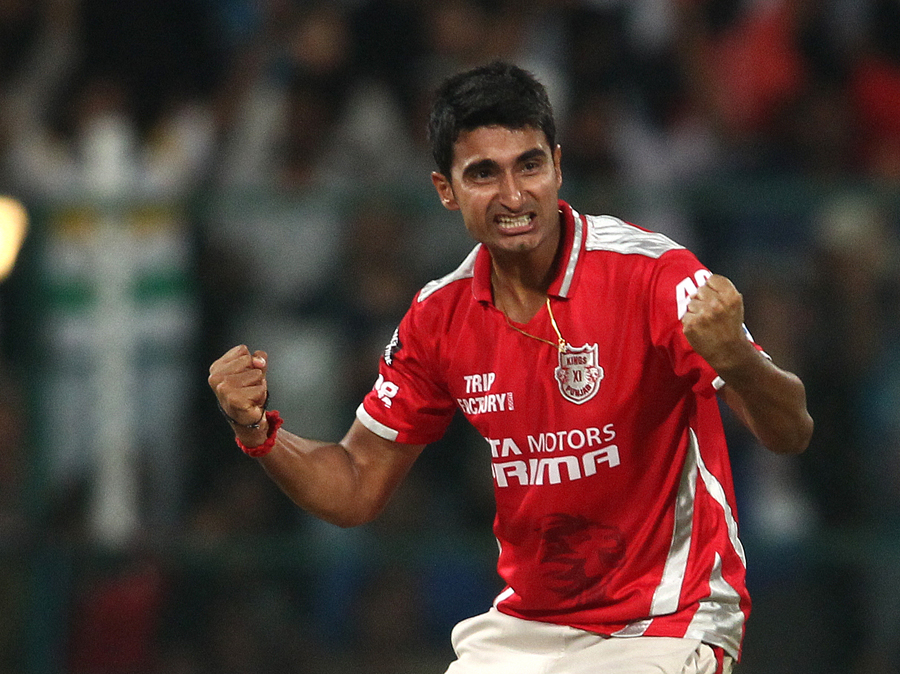 इंडियन प्रीमियर लीग 2014: सबसे बेहतरीन गेंदबाजी स्ट्राइक रेट