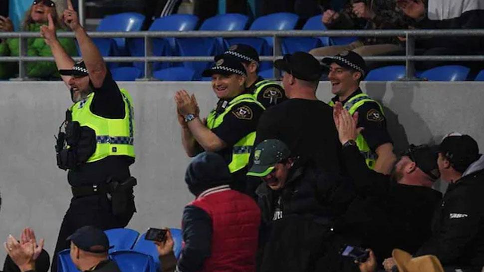 VIDEO: जिस कैच को पकड़ने में अच्छे से अच्छे फिल्डर हो जाते हैं फैल, इस पुलिसकर्मी ने उस कैच को बना दिया सबसे आसान