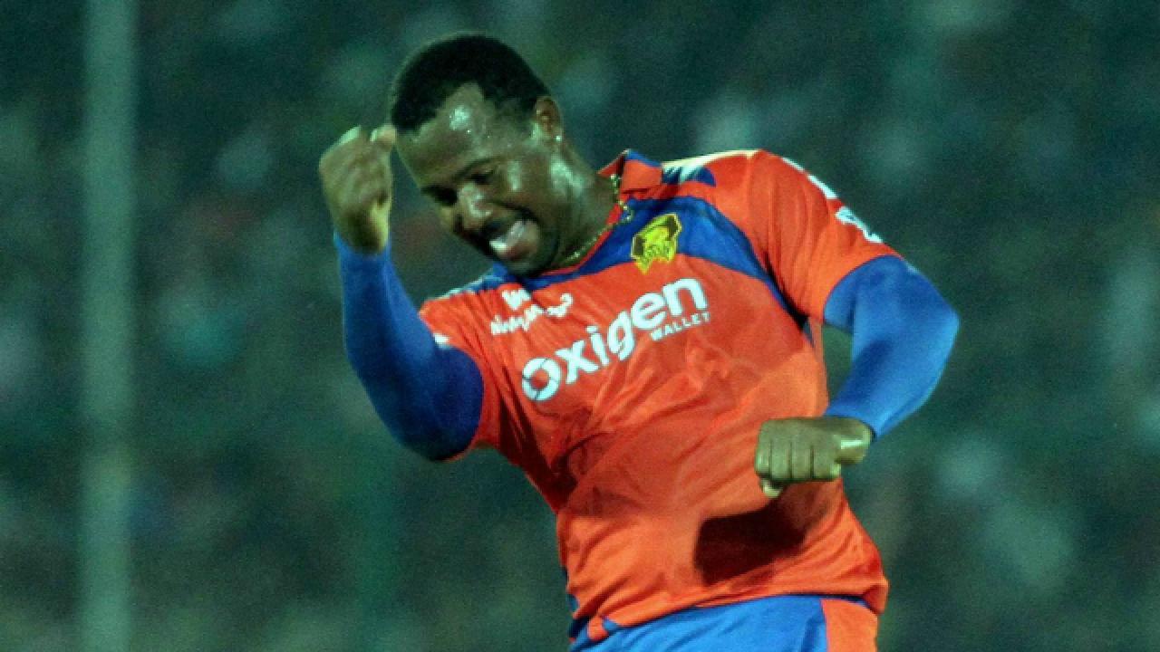 इंडियन प्रीमियर लीग 2016: पारी में सबसे ज्यादा डॉट गेंद 3