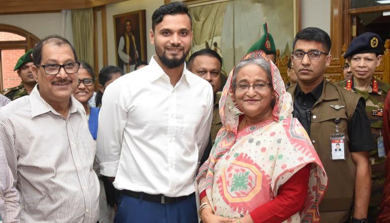 Murtaza defended his decision to enter politics