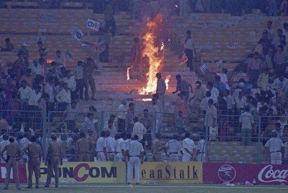 क्रिकेट के मैदान पर घटी 3 ऐसी घटनाएँ, जिसकी वजह से रोकना पड़ा मैच 4