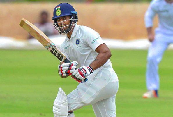 रोहित शर्मा को बैठना पड़ सकता है टेस्ट टीम से बाहर, शानदार पारी खेल इस खिलाड़ी ने काटा हिटमैन का पत्ता 1