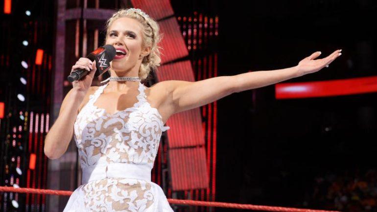 किसी बार्बी डॉल से कम नहीं हैं ये WWE डीवा सुपरस्टार 20