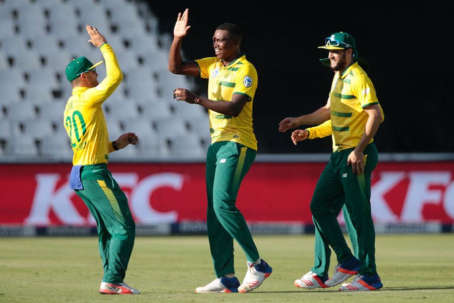CWC19- भारत के खिलाफ मैच से पहले आई खुशखबरी, टीम का सबसे खतरनाक गेंदबाज हुआ चोटिल 4