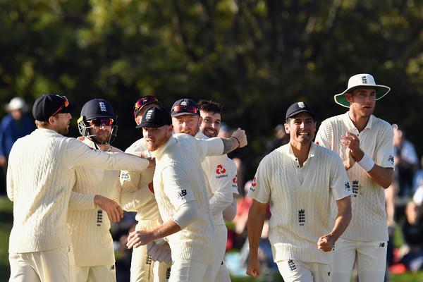 SRIvsENG : इंग्लैंड ने अपनी पहली पारी में बनाये 285 रन, देखे मैच का पूरा स्कोरकार्ड 2