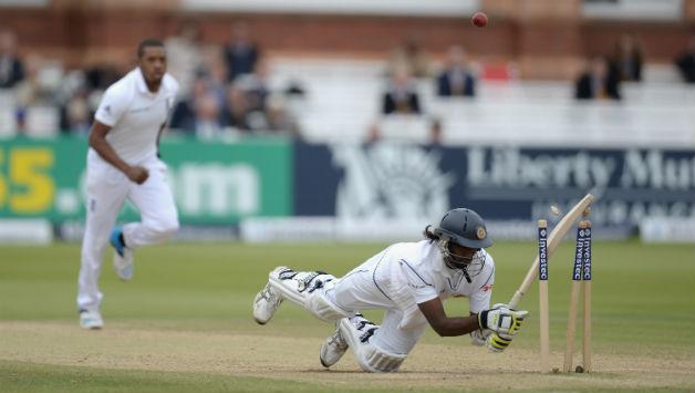 वीडियो: जब मोबइल फ़ोन की वजह से हिट विकेट हो गया था ये बल्लेबाज 4