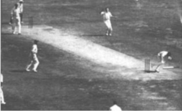 बर्थडे स्पेशल : यह तेज गेंदबाज तोड़ देता था बल्लेबाजों की हड्डियाँ, इनकी वजह से मैदान पर तैनात रहती थी पुलिस 2