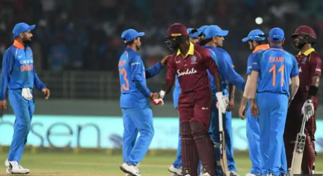 दूसरे टी-20 मैच में बड़ा हादसा टला, सुनील गावस्कर और संजय मांजरेकर बाल-बाल बचे 1