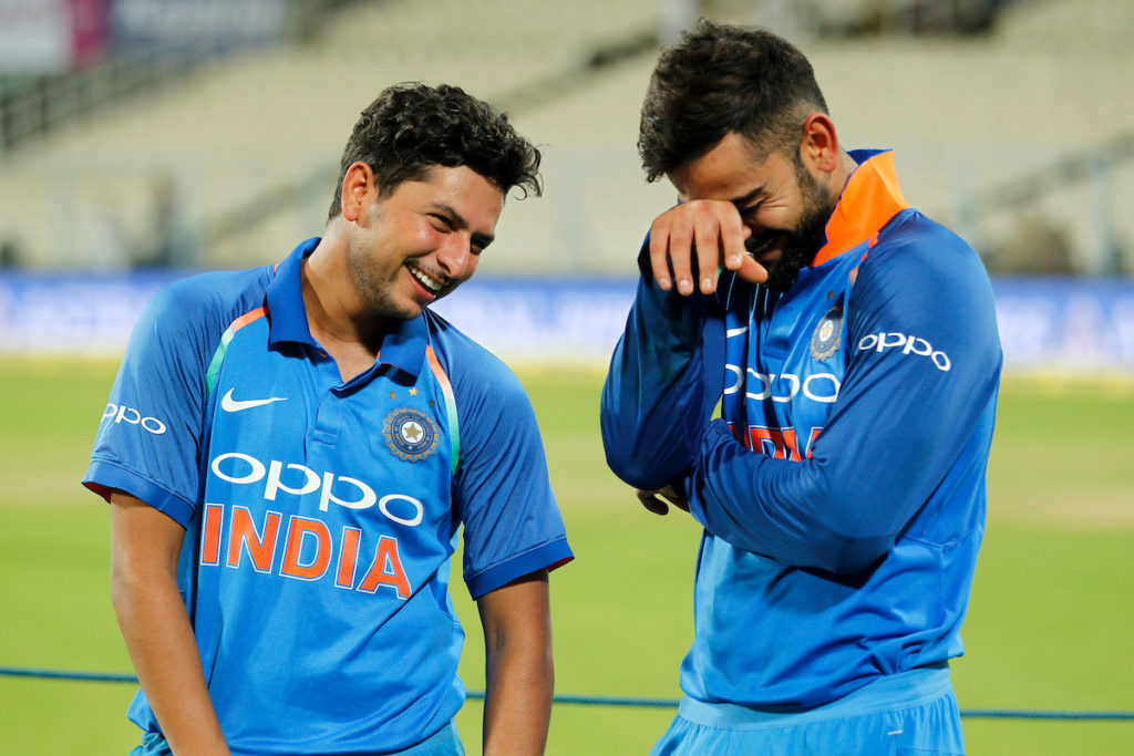 वीडियो: 4.1 गेंद पर कुलदीप यादव ने लपका शानदार कैच, फिर गेंद से किया ये कमाल 3