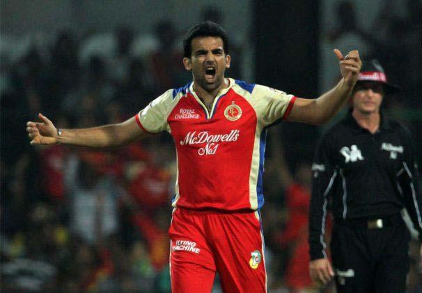 इंडियन प्रीमियर लीग 2013: पारी में सबसे बेहतरीन गेंदबाजी स्ट्राइक रेट 8