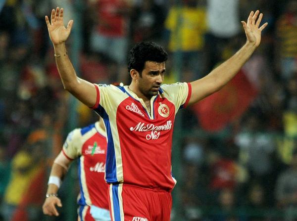 इंडियन प्रीमियर लीग 2013: सबसे बेहतरीन गेंदबाजी औसत 15