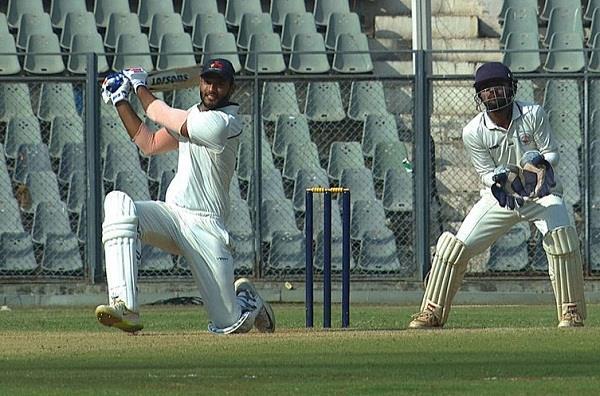 वीडियो: आईपीएल नीलामी के बाद एक बार फिर शिवम दुबे ने जड़ा एक ओवर में 5 छक्का