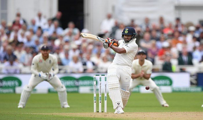 AUSvsIND: किसने कहा ऋषभ पंत को कान में समझाओ यह टेस्ट क्रिकेट है आईपीएल नहीं