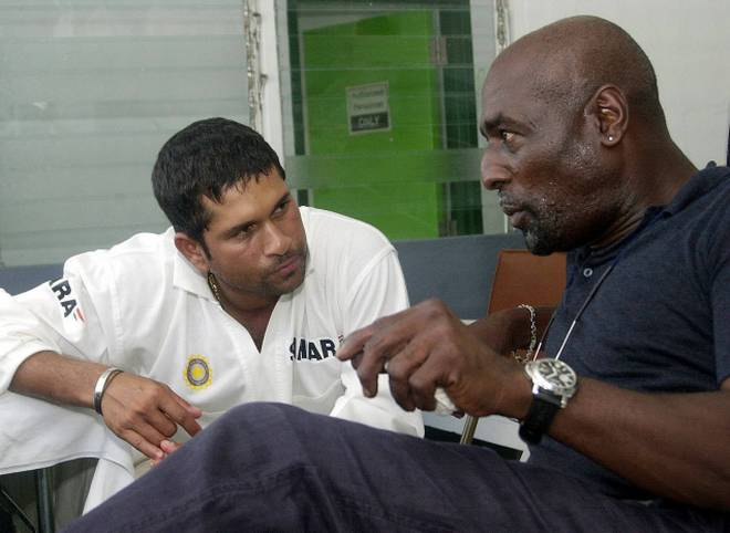 वीडियो: 'विवियन रिचर्ड्स' ने वर्षो बाद बताया उस गेंदबाज का नाम जिसके सामने बल्लेबाजी करने में लगता था डर