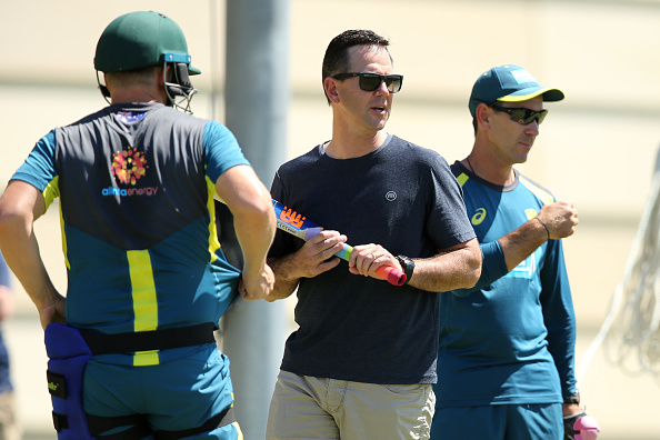 दुसरे टेस्ट में जीत के बावजूद रिकी पोंटिंग ने इस ऑस्ट्रेलियाई खिलाड़ी को टीम से बाहर करने की उठाई मांग 8