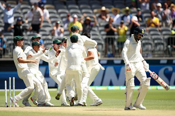 """AUSvsIND, पर्थ टेस्ट: भारत को हारता देख """"भगवान"""" ने की इस खिलाड़ी की तारीफ, तो उठी इस खिलाड़ी को टीम से बाहर करने की मांग 26"""