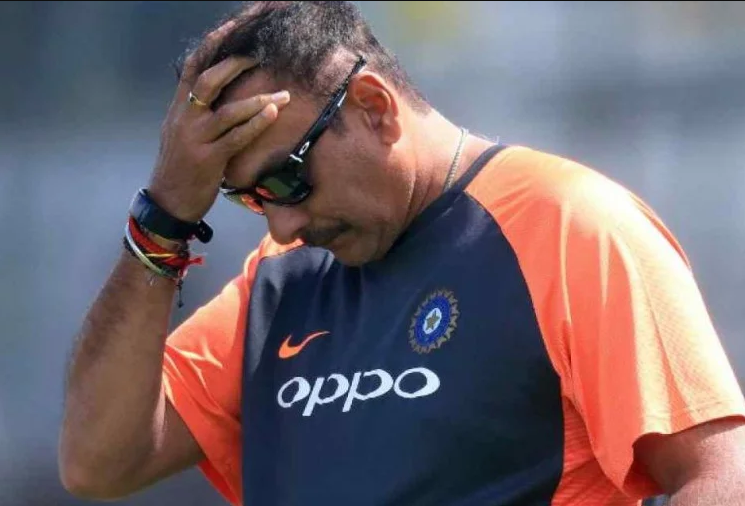 वीडियो: मैच जीतने की ख़ुशी में रवि शास्त्री ने की अभद्र बातें, सोशल मीडिया पर जमकर हो रहे हैं ट्रोल