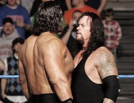 इन WWE रैसलरों के अंडरटेकर के साथ निज़ी सम्बन्ध कभी नहीं रहे ठीक 3