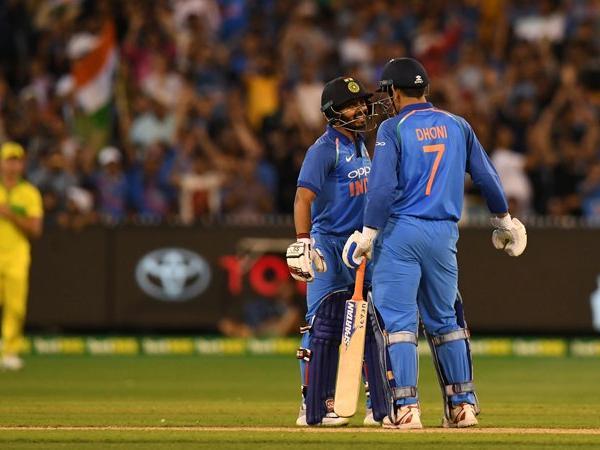वीडियो: महेन्द्र सिंह धोनी ने एक बार फिर से साबित किया, उनके पास है सबसे जबरदस्त क्रिकेटिंग ब्रेन 1