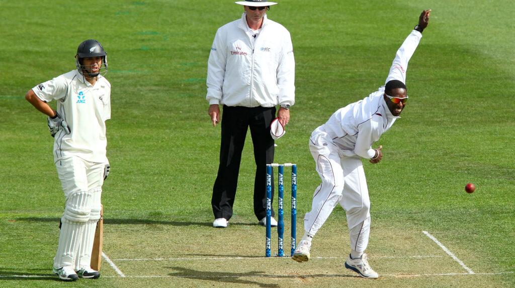 संदिग्ध गेंदबाजी एक्शन की वजह से सस्पेंड हुआ वेस्टइंडीज का यह गेंदबाज 1