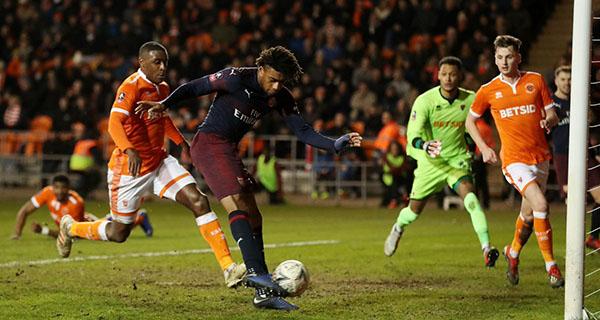 एफए कप : आर्सेनल ने ब्लैकपूल को 3-0 से मात दी