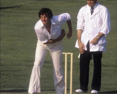 इस पूर्व दिग्गज ने विराट कोहली को बताया टेस्ट क्रिकेट का सर्वश्रेष्ठ कप्तान, तो वनडे में इन्हें माना सर्वश्रेष्ठ 4