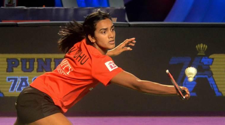 पीबीएल-4 : सायना पर भारी पड़ीं सिंधु, हंटर्स ने वॉरियर्स को हराया
