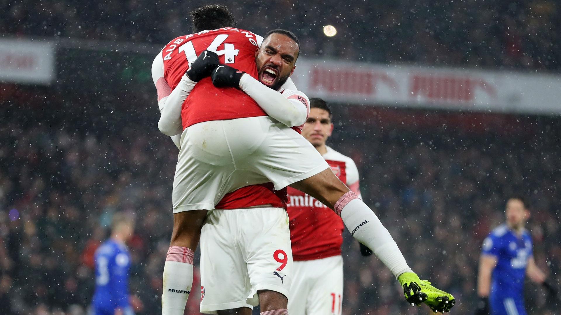 Premier League: Arsenal beat Cardiff 2-1