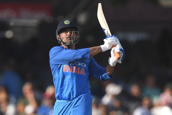 Dhoni becomes the 5th Indian to score 10,000 runs in ODIs