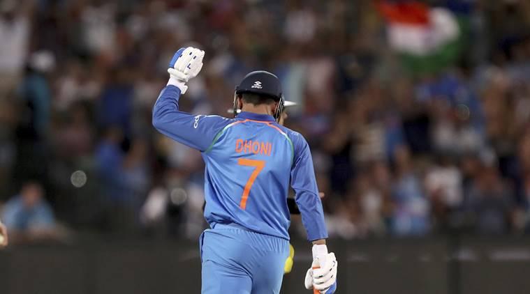 NZvsIND-  दूसरे वनडे मैच में धोनी की इस 9 साल की फैन को मिला टॉस करवाने का मौका, जानिए आखिर क्या हैं पूरा माजरा 3