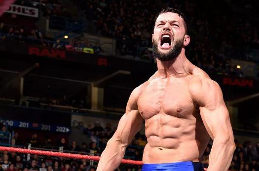 चौदह जनवरी की WWE रॉ लाइव इवेंट में इस रैसलर को कम्पनी देने जा रही है बड़ा तोहफा 10