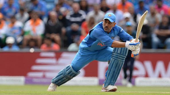 किसने क्या कहा: भारत के लिए खेलते हुए महेंद्र सिंह धोनी ने पूरे किए 10 हजार रन, धोनीमय हुआ ट्विटर 2