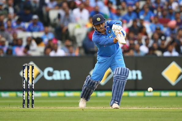 AUSvsIND: विराट कोहली ने बताया, क्यों नंबर 4 पर बल्लेबाजी करने आये महेंद्र सिंह धोनी 2