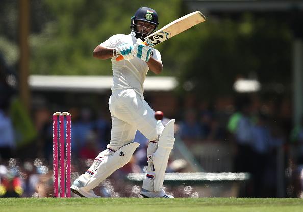 भारतीय टीम के इन दो पूर्व दिग्गज खिलाड़ियों ने चयनकर्ताओं पर खड़े किये सवालियां निशान, कहा आखिर क्यों नहीं हैं ऋषभ पन्त वनडे टीम का हिस्सा