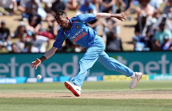 """तीसरे वनडे में शानदार प्रदर्शन के बाद हार्दिक पांड्या ने कहा """"थैंक यू"""" लोगों ने सोशल मीडिया पर बनाया मजाक 2"""