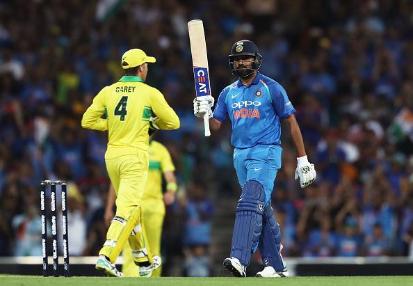 AUSvsIND-सिडनी में भारतीय टीम हारी पहला वनडे मैच, फिर भी ऐसा करने वाले दुनिया के एकलौते बल्लेबाज बने रोहित शर्मा 2